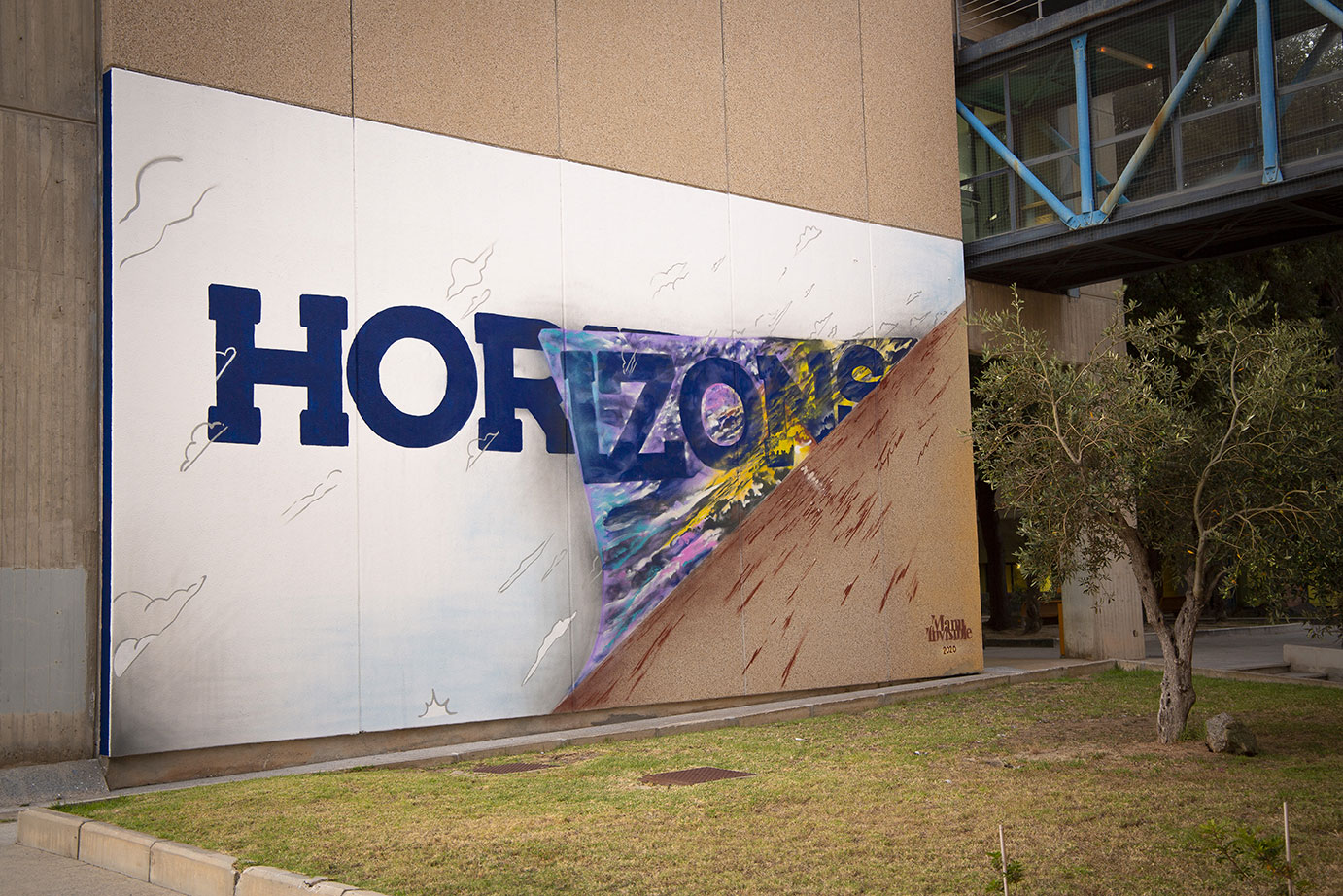 ''Horizons'' Spray and quartz paint on wall 12 x 6 m University City Monserrato 2020